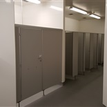Women's shower cubicles
